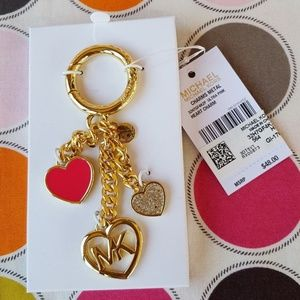 MICHAEL KORS HEART CHARMS GOLD TONE